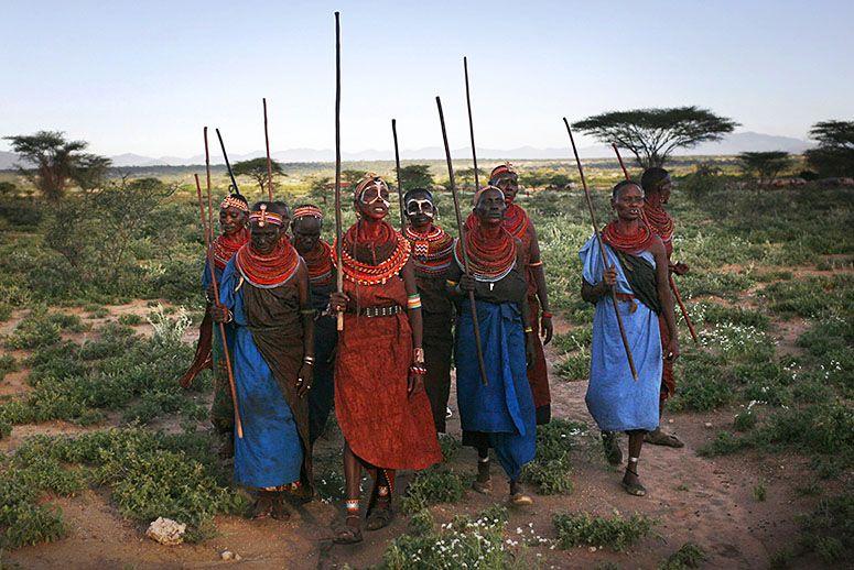 kenya-women-village-INLINE