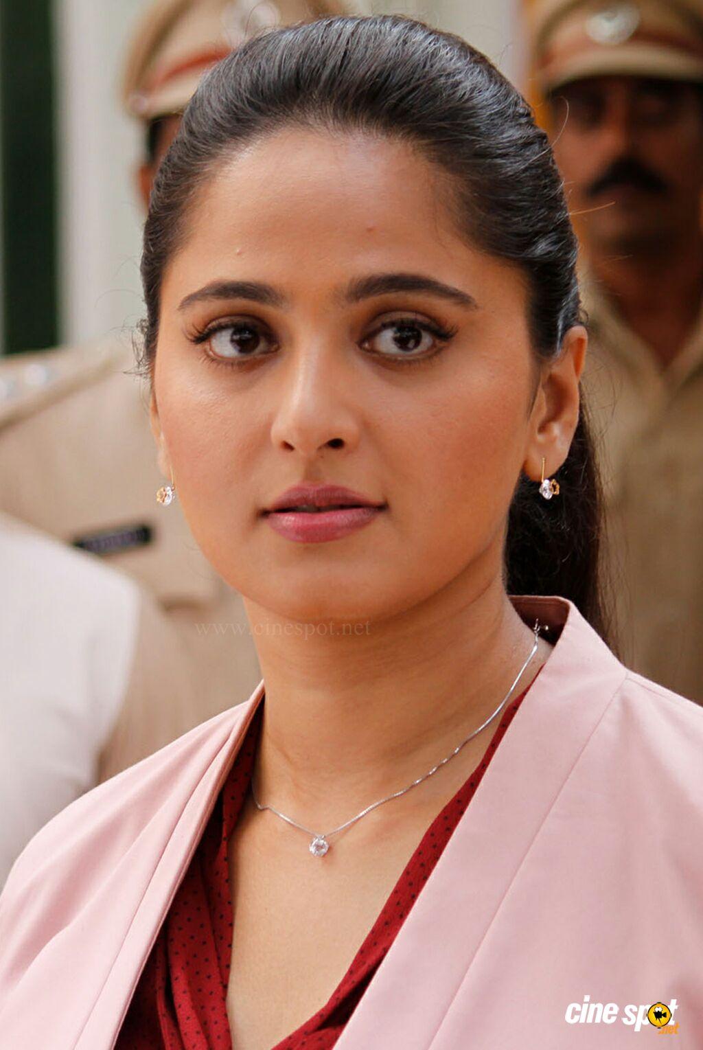 Anushka Shetty in Si3 _1_