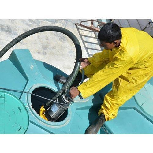 water-tank-cleaning