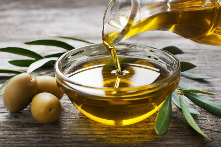 01-Amazing-Health-and-Beauty-Benefits-of-Olive-Oil-shutterstock_253044214-DUSAN-ZIDAR-760x506