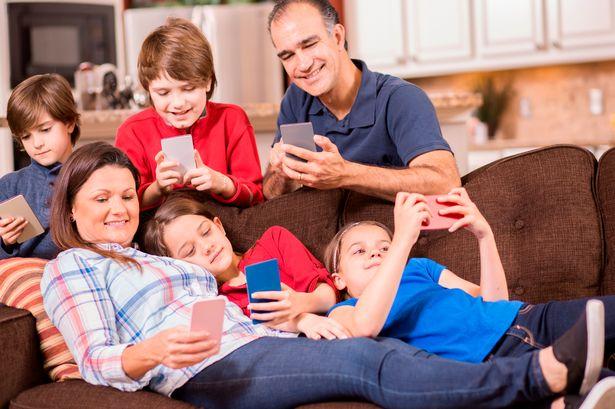 PROD-Family-all-using-mobile-phones